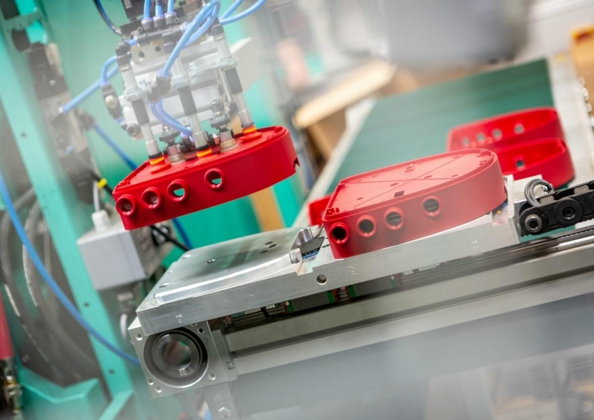 Produktion af avancerede plastemner